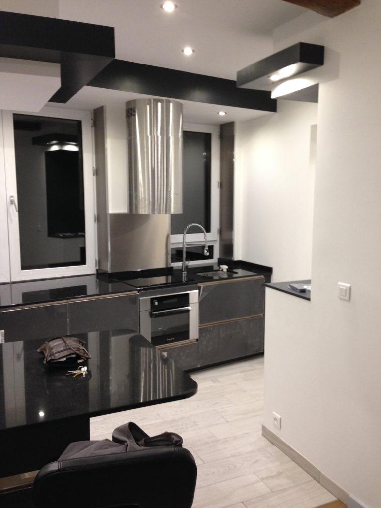 Cuisine équipé dans un appartement